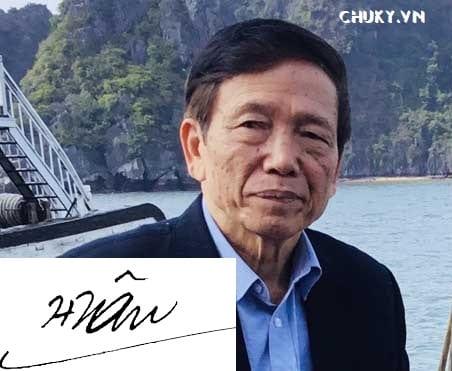 Chữ ký nhà văn Nguyễn Trí Huân